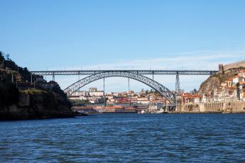 обоя города, - мосты, водоем, здания