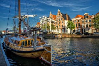 Картинка корабли порты+ +причалы река netherlands нидерланды мост spaarne river харлем спарне haarlem северная голландия north holland здания яхта дома