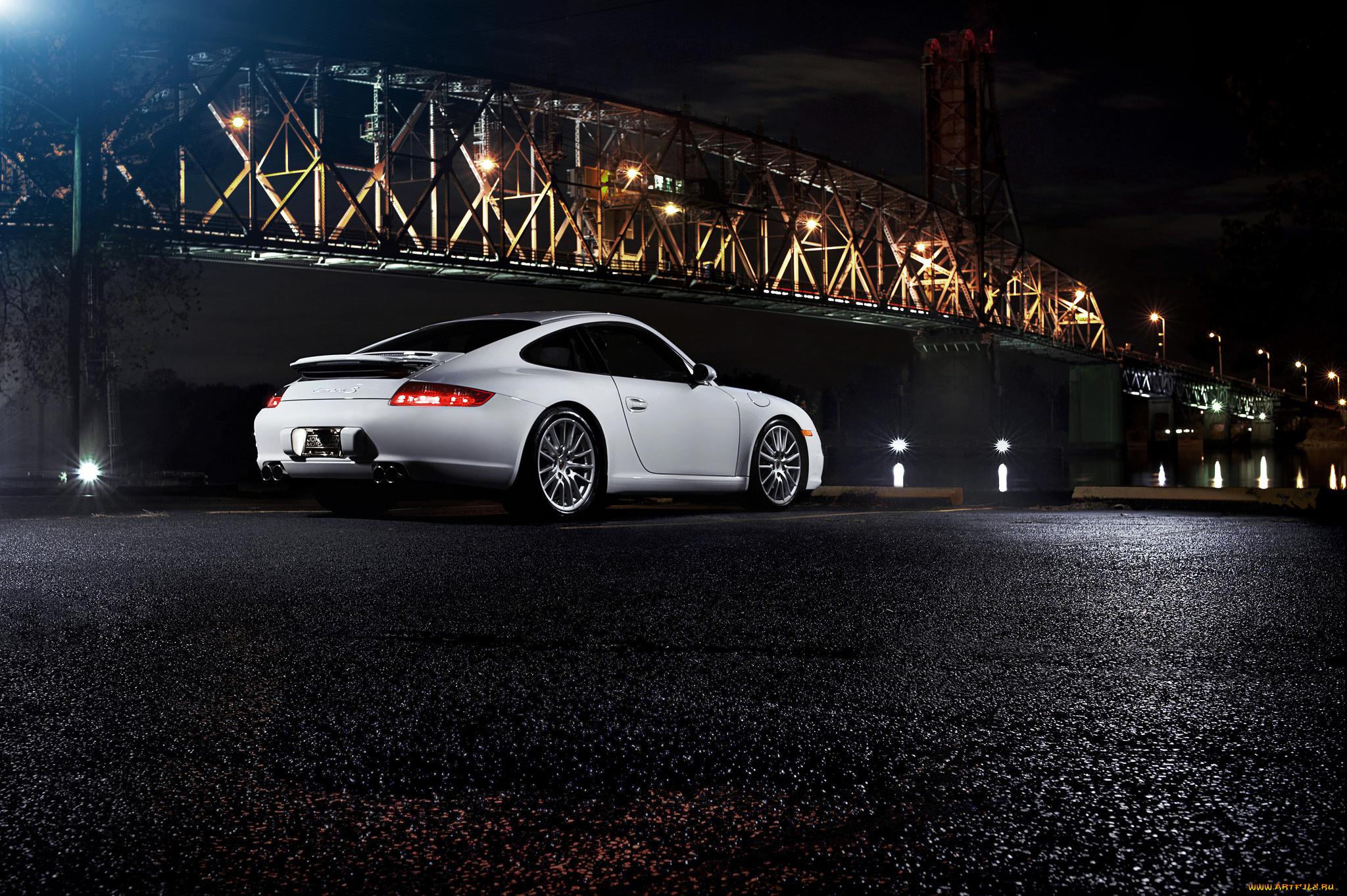 белая Porsche под мостом бесплатно