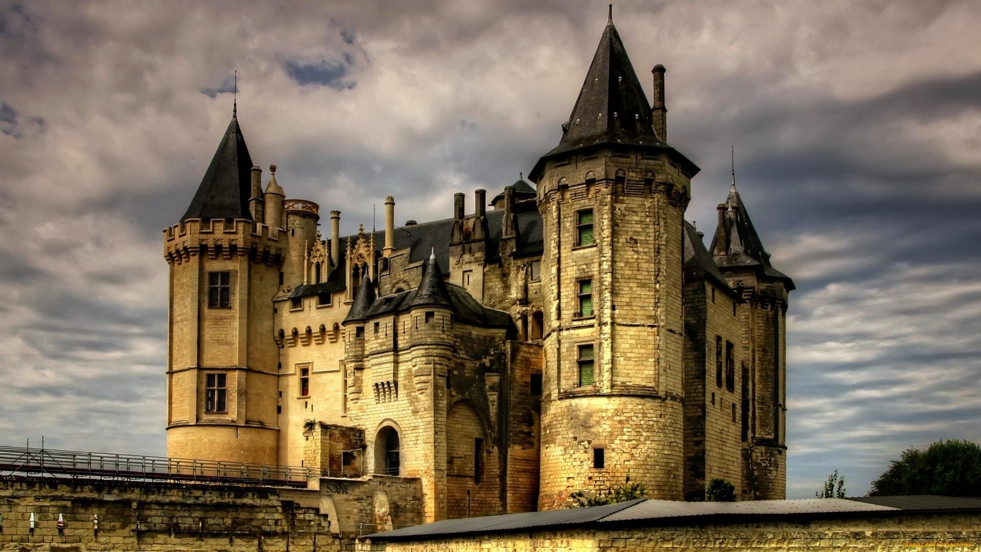 Замок Сомюр Луара Франция смотреть