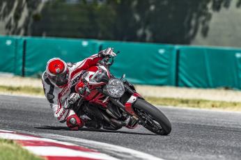 обоя спорт, мотоспорт, гонки, трек, скорость