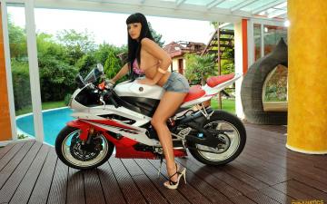 Картинка мотоциклы мото девушкой купальник aletta okean