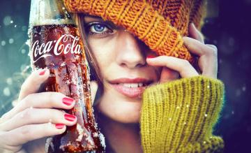 обоя бренды, coca-cola, шарф, шапка, улыбка, лицо, кока-кола, девушка, напиток, бутылка