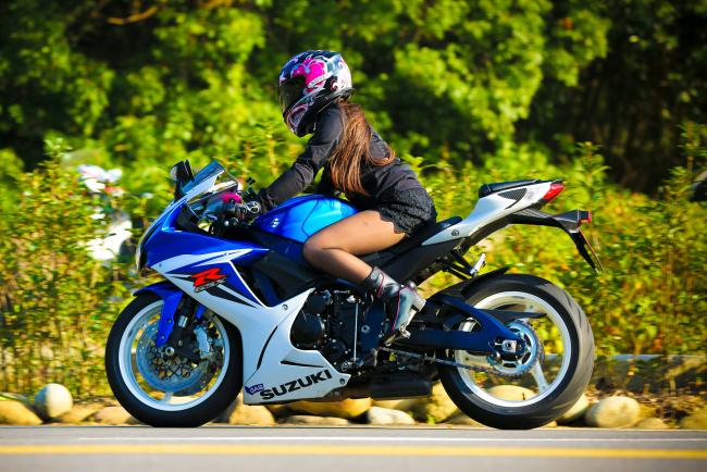 Обои картинки фото мотоциклы, мото с девушкой, байк, девица