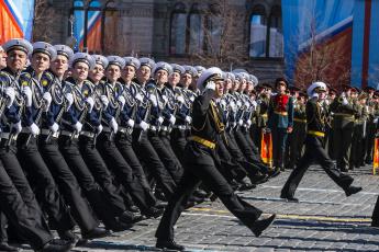 Картинка оружие армия спецназ парад матросы