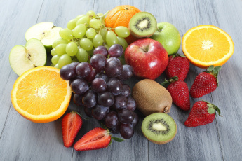 обоя еда, фрукты,  ягоды, киви, лимон, апельсин, яблоки, клубника, виноград