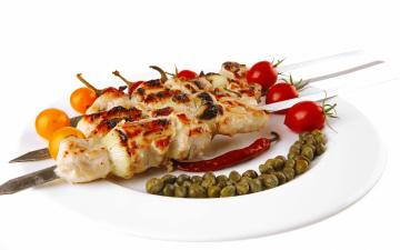 обоя еда, шашлык,  барбекю, мясо, шампуры, помидоры, каперсы, перчик, острый