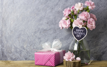 обоя цветы, гвоздики, розовые, подарок, gift, happy, wood, beautiful, mother's, day, flowers, vintage, лепестки, pink, romantic