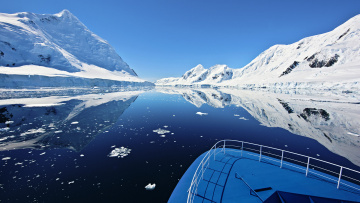 Картинка природа реки озера antarctica антарктида горы океан лодка