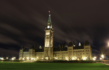обоя canadian parliament building - centre block, города, оттава , канада, ночь, лужайка, парламент