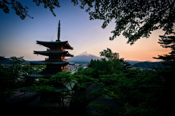 Картинка города -+буддистские+и+другие+храмы храм лес гора