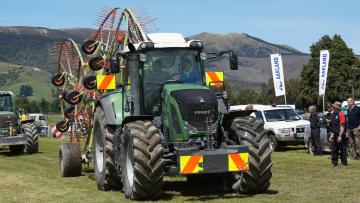Картинка fendt+tractor техника тракторы тяжелый колесный трактор