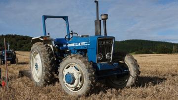 Картинка ford+4600+tractor техника тракторы трактор колесный