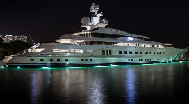 Обои картинки фото pelorus yacht in miami, корабли, Яхты, суперяхта
