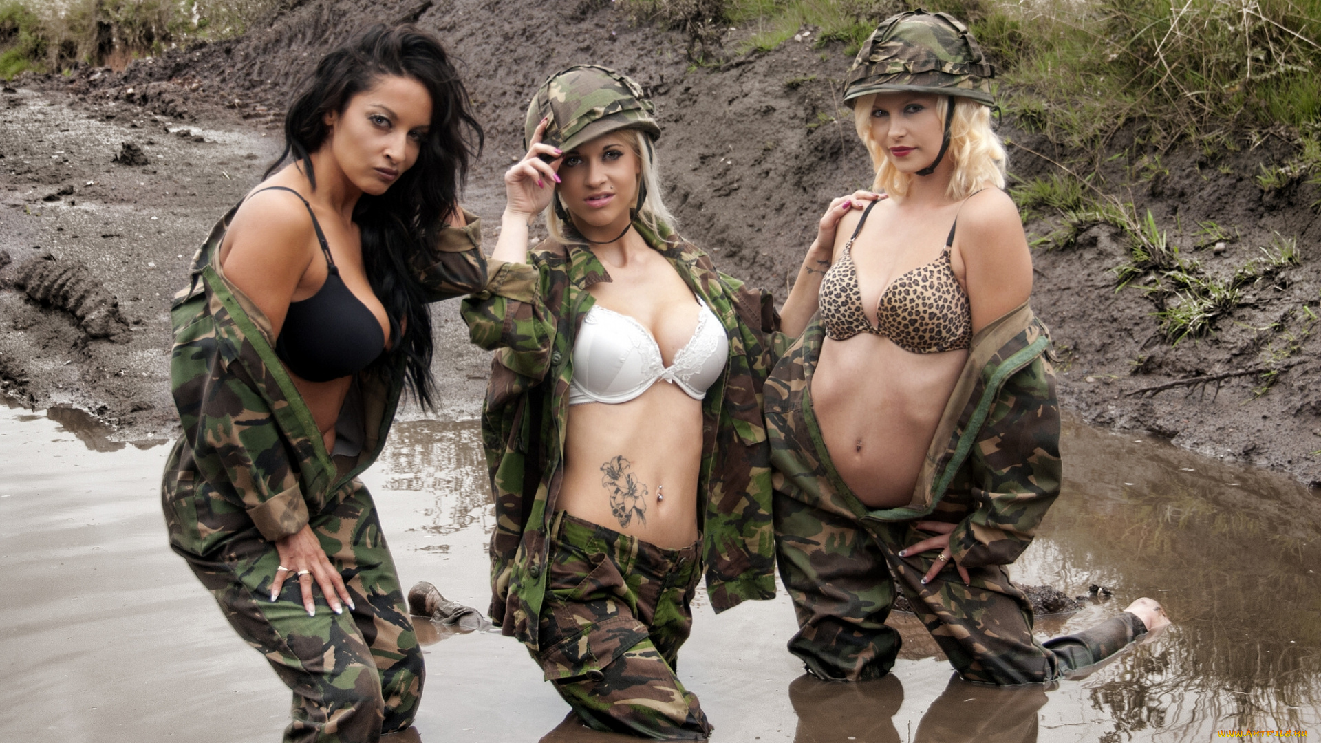 Naked action girl kathy lee as an army babe