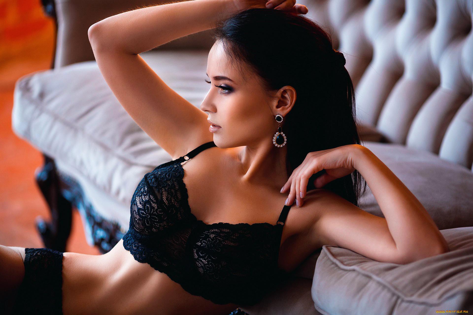 Фото голых моделей брюнеток, Огромная бесплатная галерея порно фото брюнеток 12 фотография