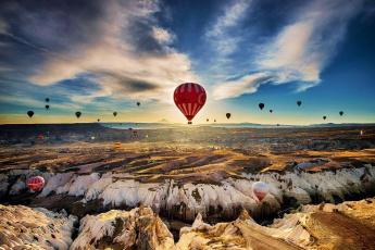 обоя авиация, воздушные шары, горы, шары, небо, облака