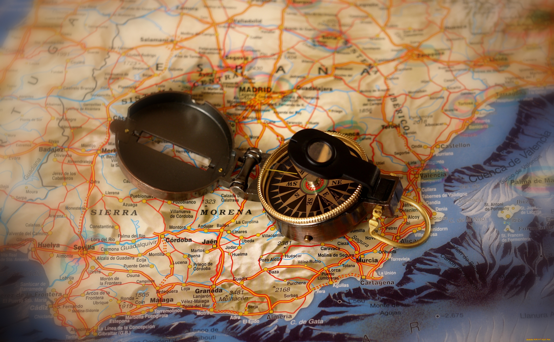 Карта и компас  № 2941940 бесплатно