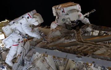 обоя космос, астронавты, космонавты, техника, ремонт