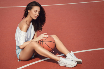 обоя спорт, баскетбол, мяч, девушка