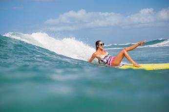 Картинка спорт серфинг девушка волна доска surfing
