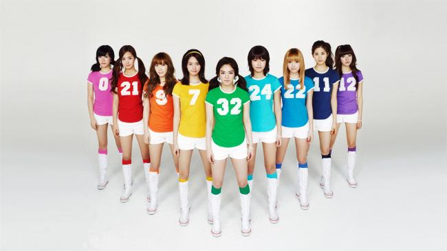 Обои картинки фото музыка, girls generation , snsd, девушки, фон, данс-поп, взгляд, поп, бабблгам-поп, корея, k-pop, электро-поп, молодежный