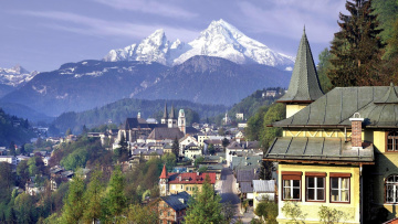 обоя города, - панорамы, здания, дома, город, деревья, горы