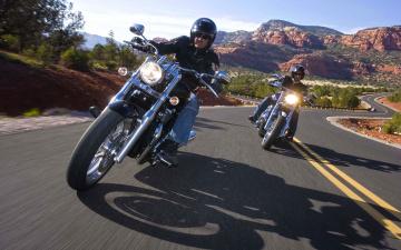 Картинка мотоциклы harley-davidson дорога