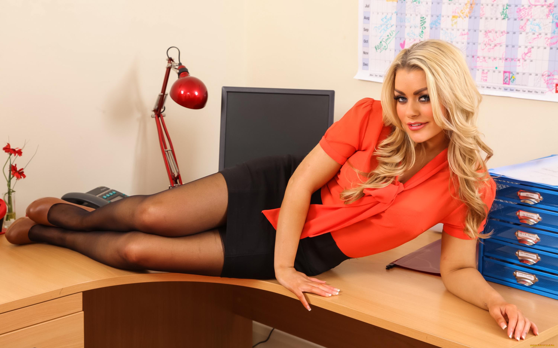 большие сиськи блондинка в офисе - 11