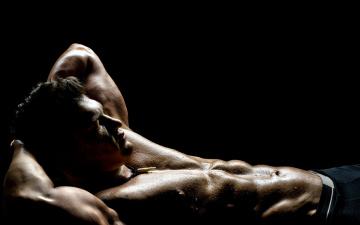 Картинка мужчины -+unsort капли торс пот