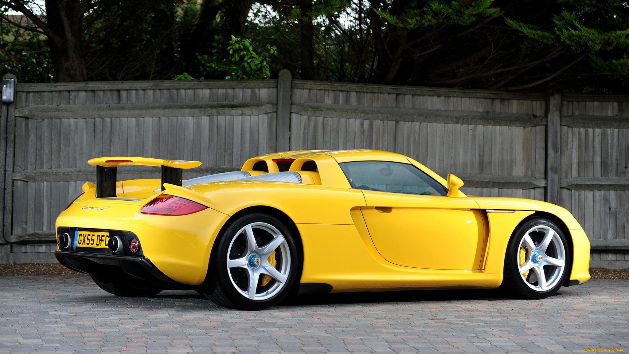 красный спортивный автомобиль Porsche Carrera GT подборки