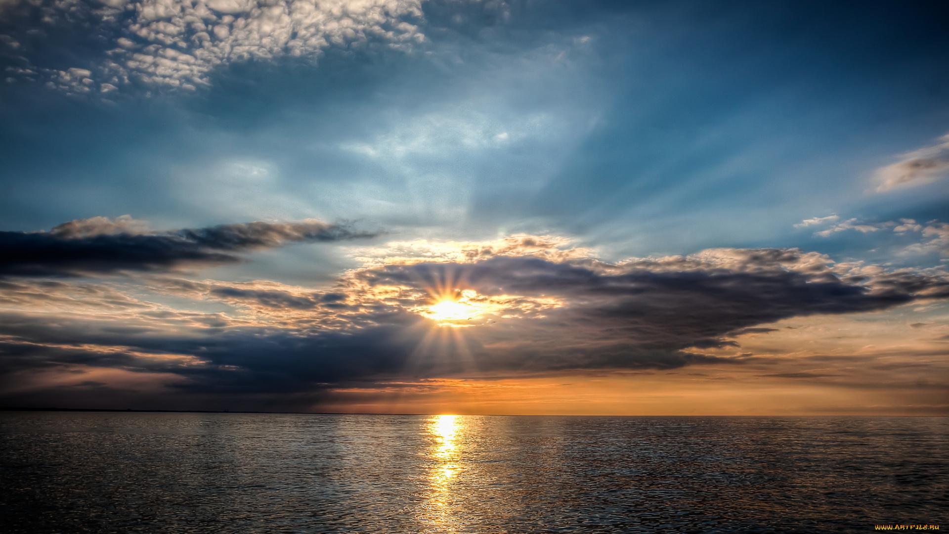 любое фото восхода и заката солнца каждой квартире достаточно