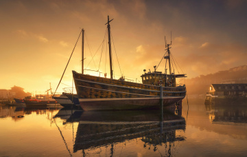 обоя корабли, баркасы ,  буксиры, порт