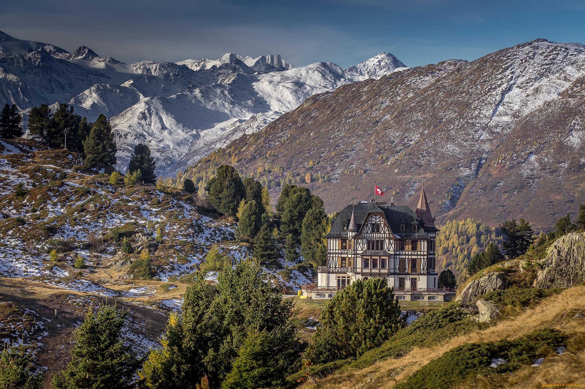 Замок у вершины горы бесплатно