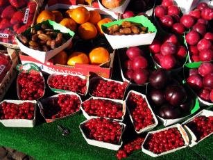 обоя еда, фрукты,  ягоды, клубника, сливы, ягоды, смородина