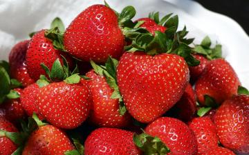 обоя еда, клубника,  земляника, ягоды, спелая, много