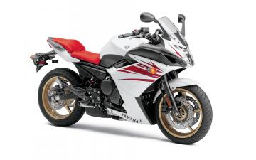 Картинка мотоциклы yamaha 2010 fz6r