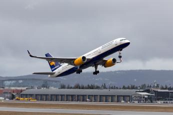 обоя boeing 757-208, авиация, пассажирские самолёты, авиалайнер