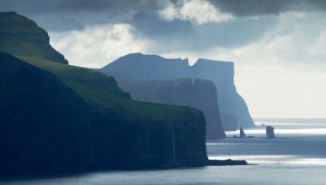 обоя фарерские острова, природа, побережье, тучи, обрыв, водопады, берег, море