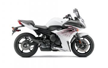 Картинка мотоциклы yamaha 2010г светлый fz6r