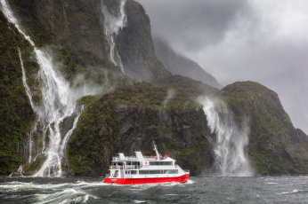 обоя корабли, теплоходы, new, zealand, фьорд, горы, водопады, корабль