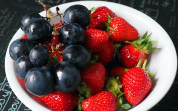 обоя еда, фрукты,  ягоды, виноград, клубника, ягоды