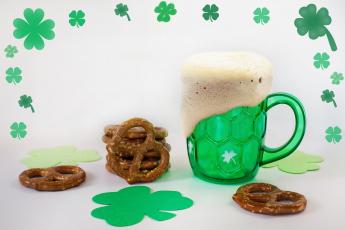 обоя праздничные, день святого патрика, пиво, бокал, пена