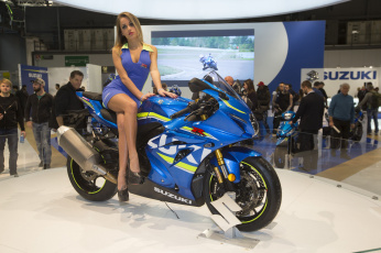 обоя выставка 1, мотоциклы, мото с девушкой, мото