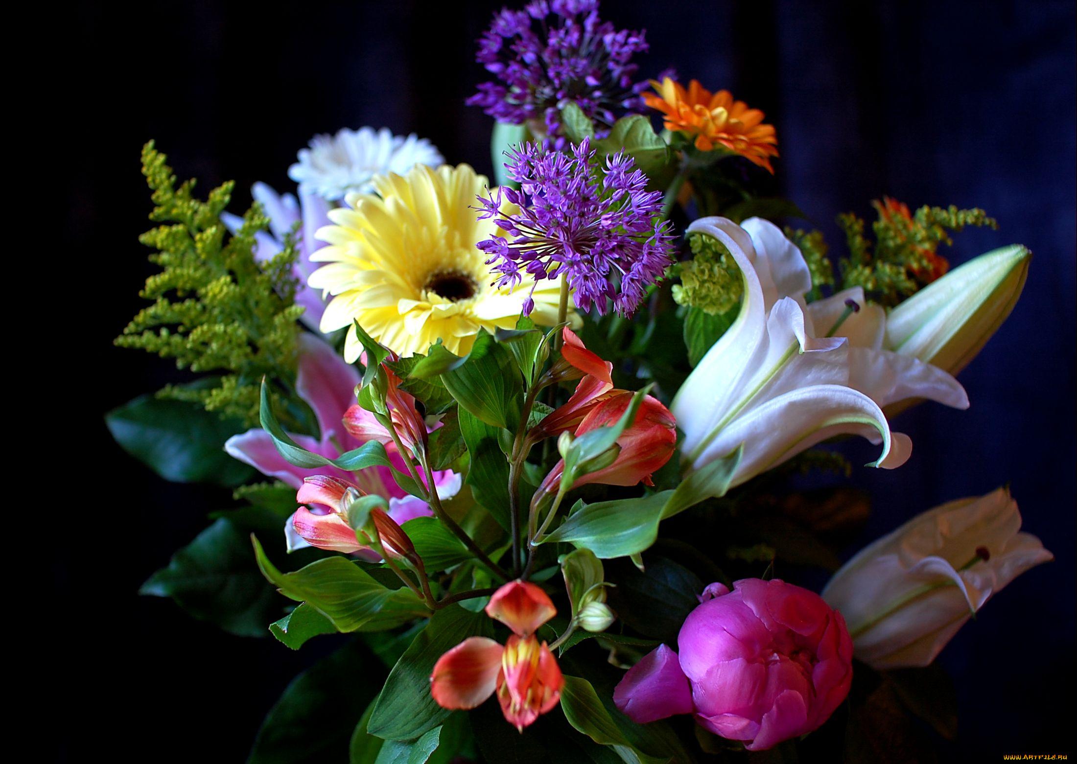 Открытка лилии с 8 мартом, телефон