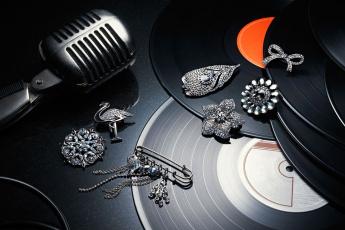 Картинка разное украшения аксессуары веера брошь пластинка микрофон