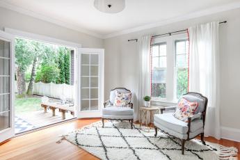 обоя интерьер, гостиная, кресла, ковер, зеркала, камин, дизайн