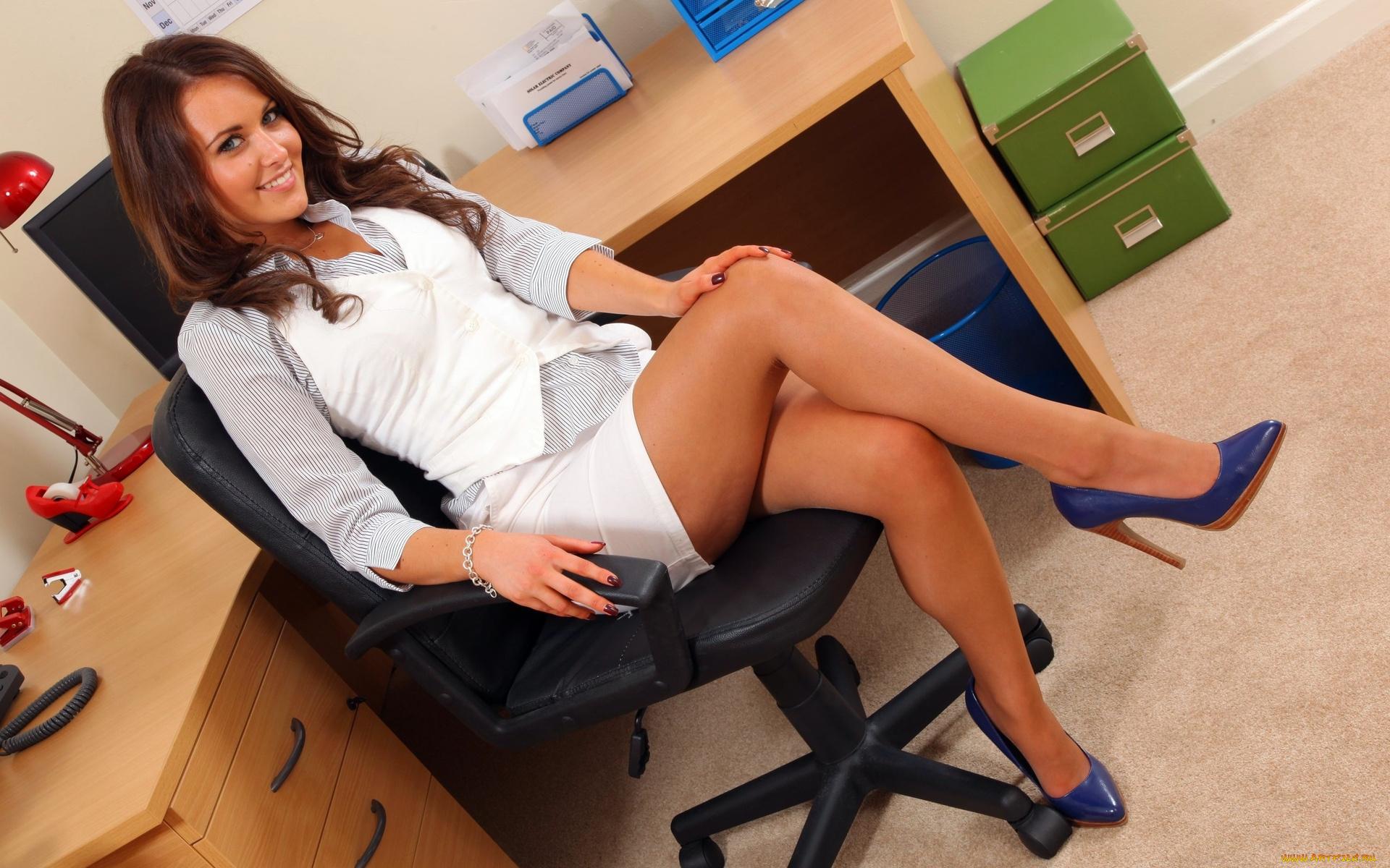 девушки офис эро фото - 12