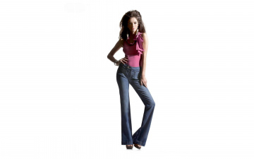 обоя девушки, -unsort , брюнетки, темноволосые, топ, браслеты, джинсы, mariana, almeida