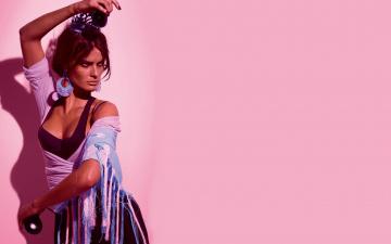 обоя девушки, isabeli fontana, фламенко, испанка, кастаньеты, танец, модель, изабели, фонтана